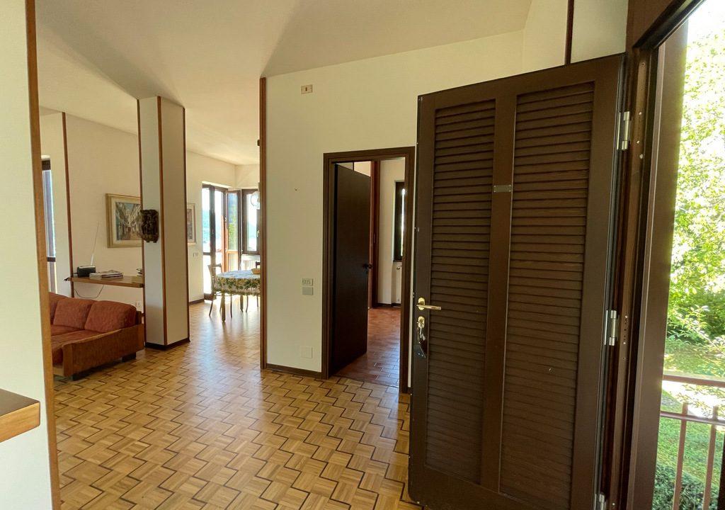 Carate Urio Bellissimo Appartamento con Stupenda Vista Lago (9)