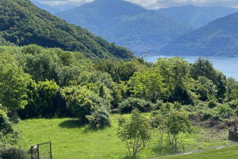 Plesio Casa con Terrazza, Balcone e Favolosa Vista Lago