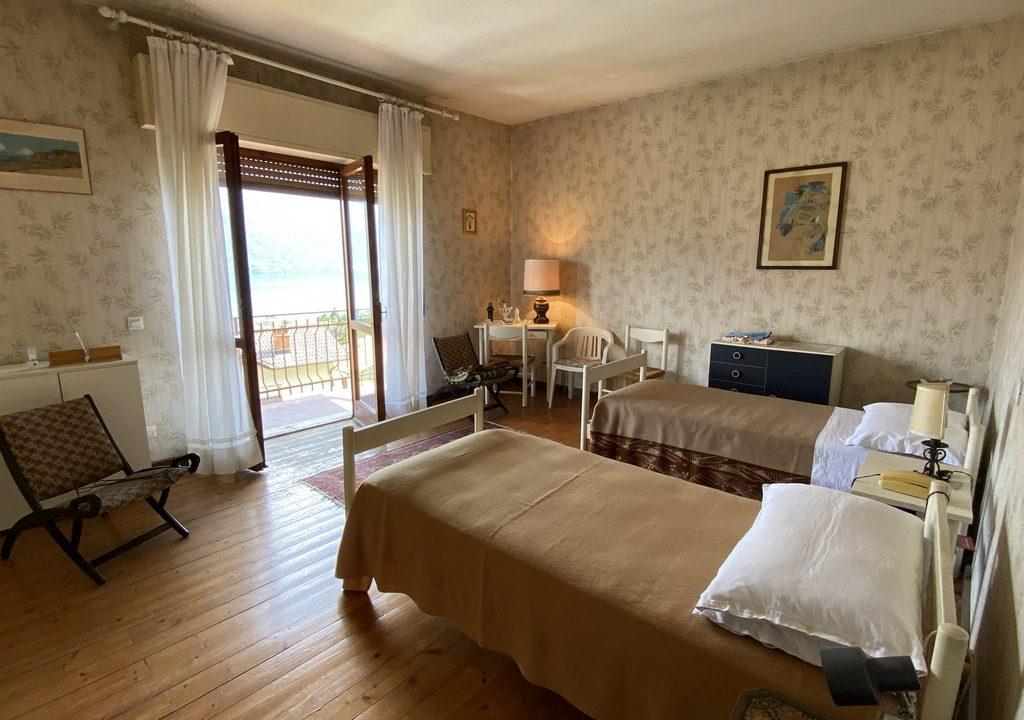 Villetta con Bellissima Vista Lago, Terrazzo e Giardino