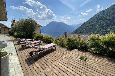 Bellissima Villa Indipendente con Giardino, Piscina e Vista Lago
