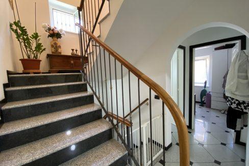 Mezzegra Fantastica Villa con Giardino, Balcone e Piscina