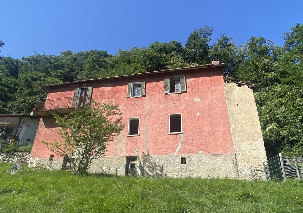Casa Indipendente con Terreno e Bella Vista Lago