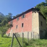 Casa Indipendente con Terreno e Bella Vista Lago - facciata