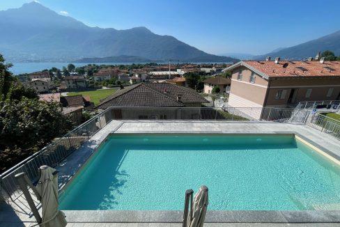 Lago Como Appartamento con Giardino e Piscina Domaso