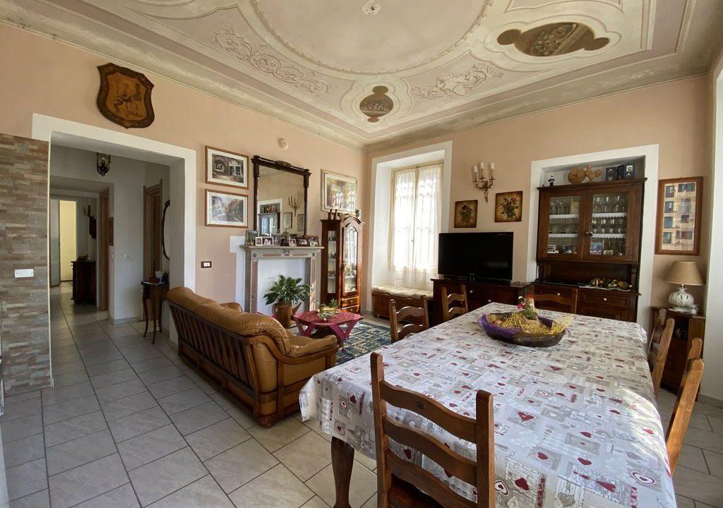 Lago Como Villa d'epoca con Giardino Domaso - PIANO TERRA
