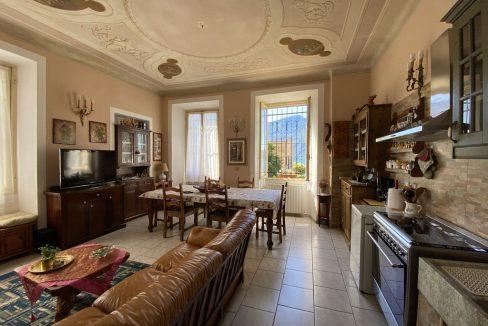Lago Como Villa d'epoca con Giardino Domaso - PIANO TERRA - SOGGIORNO