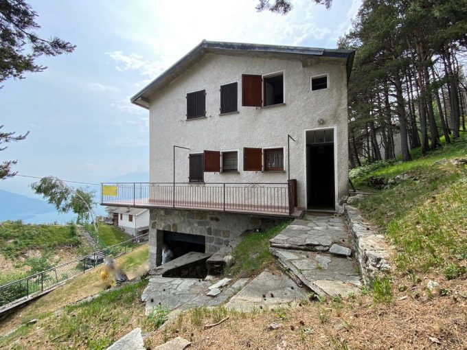 Casa Indipendente Vista Lago Sorico Collinare - terrazzo