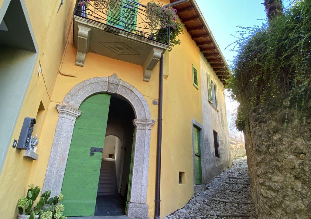 Lago Como Ossuccio Casa con Giardino e Terrazzo