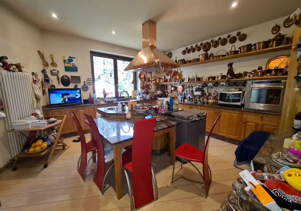 Lago Como VILLA con Piscina e Giardino Colico - cucina